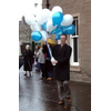 Councillor Fraser Macpherson assists at the West End Christmas Week Children's Balloon Launch 2005